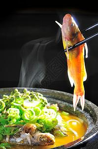 石锅野生黄骨鱼图片
