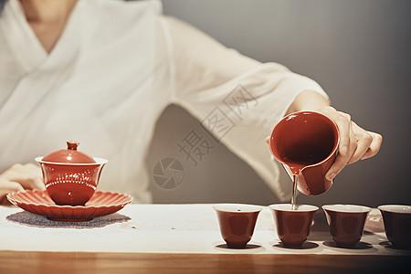 女性泡茶师图片