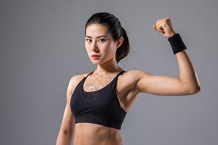 运动女性肌肉展示图片