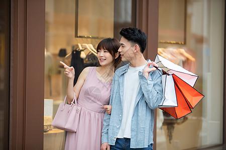 情侣约会购物图片