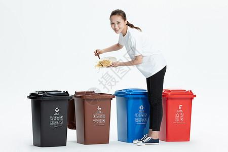 美女倒垃圾图片