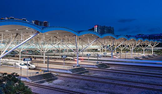深圳北站高铁站台夜景图片