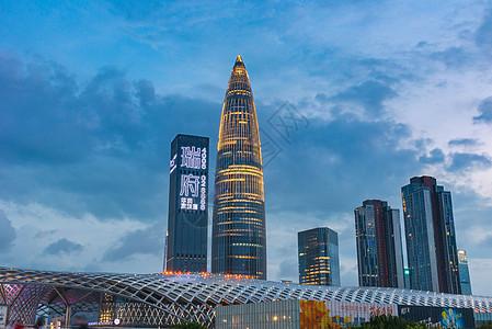 深圳春茧体育中心夜景图片