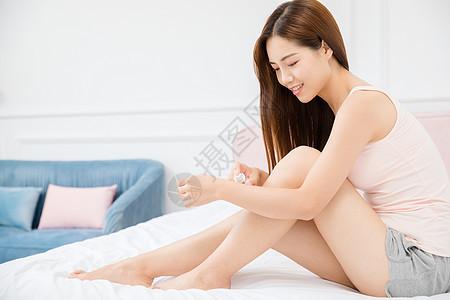 美女居家美腿图片
