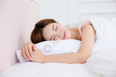 美女居家睡眠图片