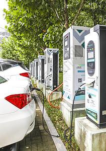 新能源汽车充电场景图片
