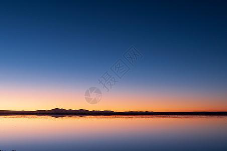 盐湖日出图片