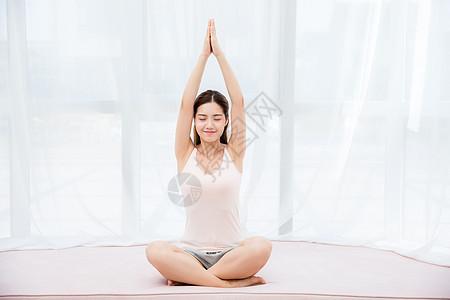 美女居家瑜伽图片