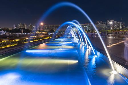 深圳宝安区海滨广场喷泉夜景图片