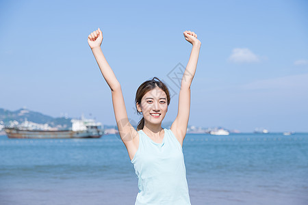 夏日海边运动可爱美女图片