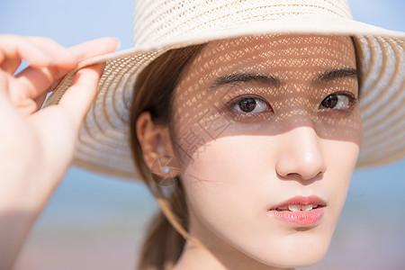 夏日海边阳光美女图片