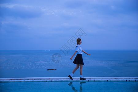 夏日海边黄昏学生图片