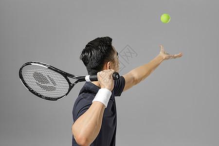 运动男性网球特写图片