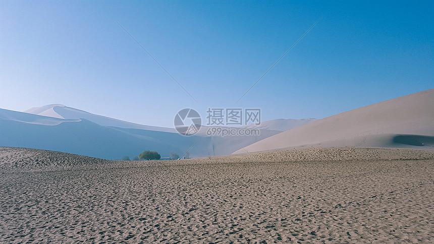 新疆敦煌沙漠图片