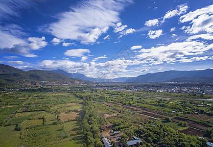丽江大气田园风光纳西族房屋图片