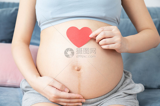 孕妇肚子爱心图片