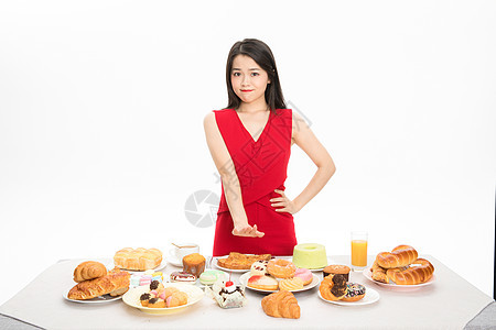 美女抵挡美食诱惑图片