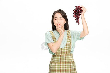 美女吃葡萄图片