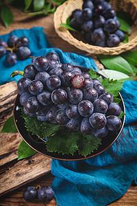 巨峰夏黑葡萄图片