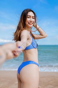 海边美女图片
