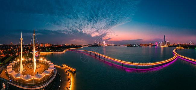 苏州金鸡湖帆船公园夜景图图片
