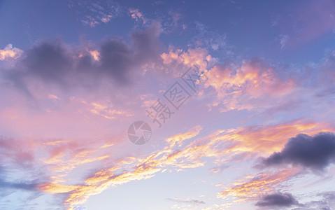 傍晚天空晚霞图片