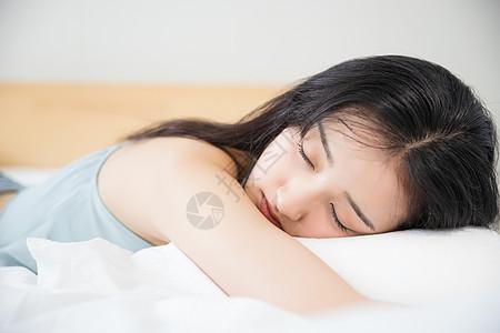 可爱女孩睡觉图片