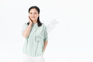 中年女性托腮图片