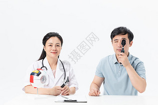医生病人测视力图片