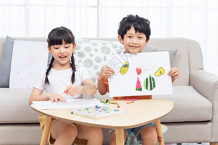 儿童暑假居家画画图片