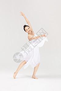 青年美女跳芭蕾舞图片