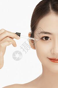 女性美容护肤半脸特写图片