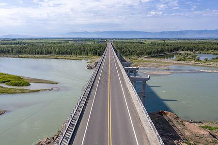 航拍伊犁河大桥图片