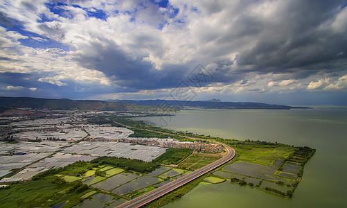 云南昆明村庄田野滇池高空航拍图片