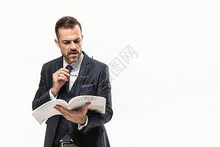 外国商务男性看书图片