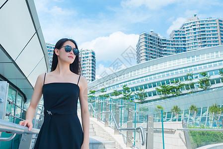 香港西九龙街拍少女图片