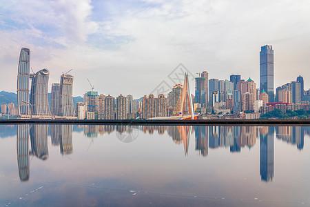 重庆嘉陵江天际线倒影图片