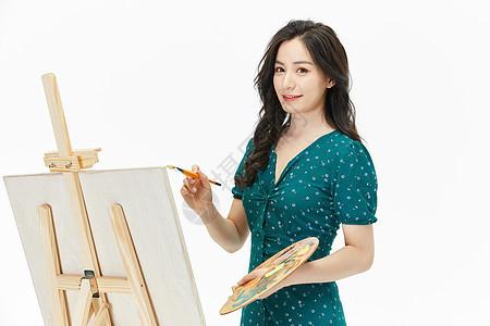 美女画家绘画创作图片