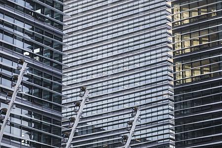 现代建筑玻璃幕墙立面特写图片