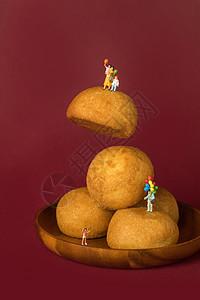 中秋月饼创意小人图片