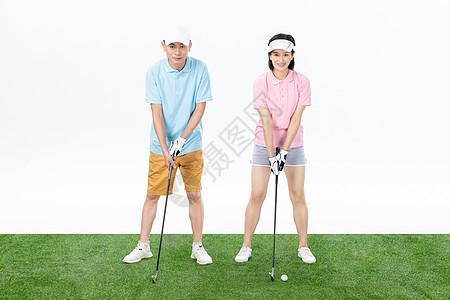 中年夫妇打高尔夫球图片