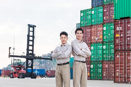 工人在港口码头图片
