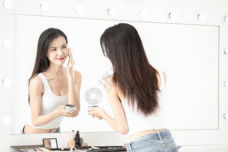 时尚青年女性化妆台化妆图片