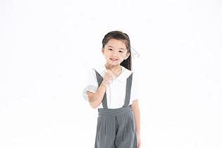 可爱小女孩形象图片