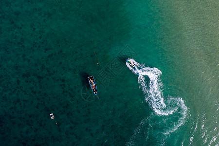 水上摩托快艇图片