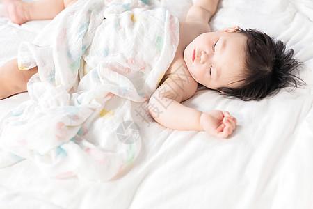 睡着的女婴图片