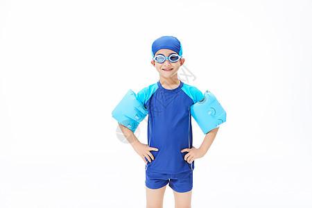 游泳少年图片