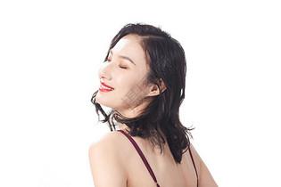 年轻女性护肤美容形象图片