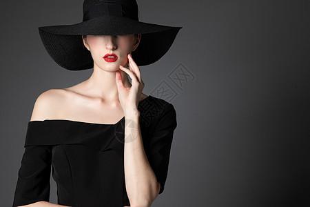 外国优雅女性图片