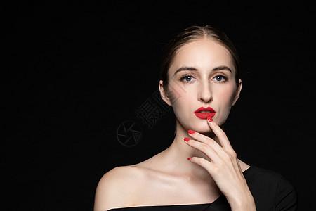 优雅女性面部手势图片